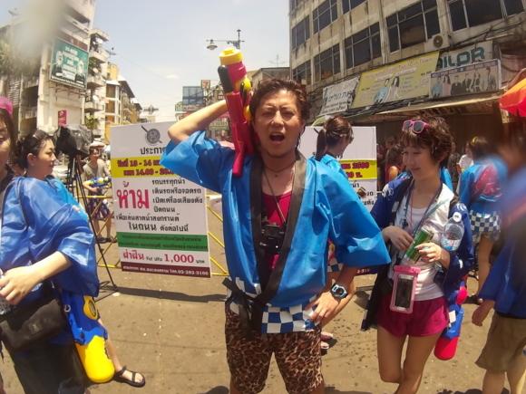 タイ水掛け祭り