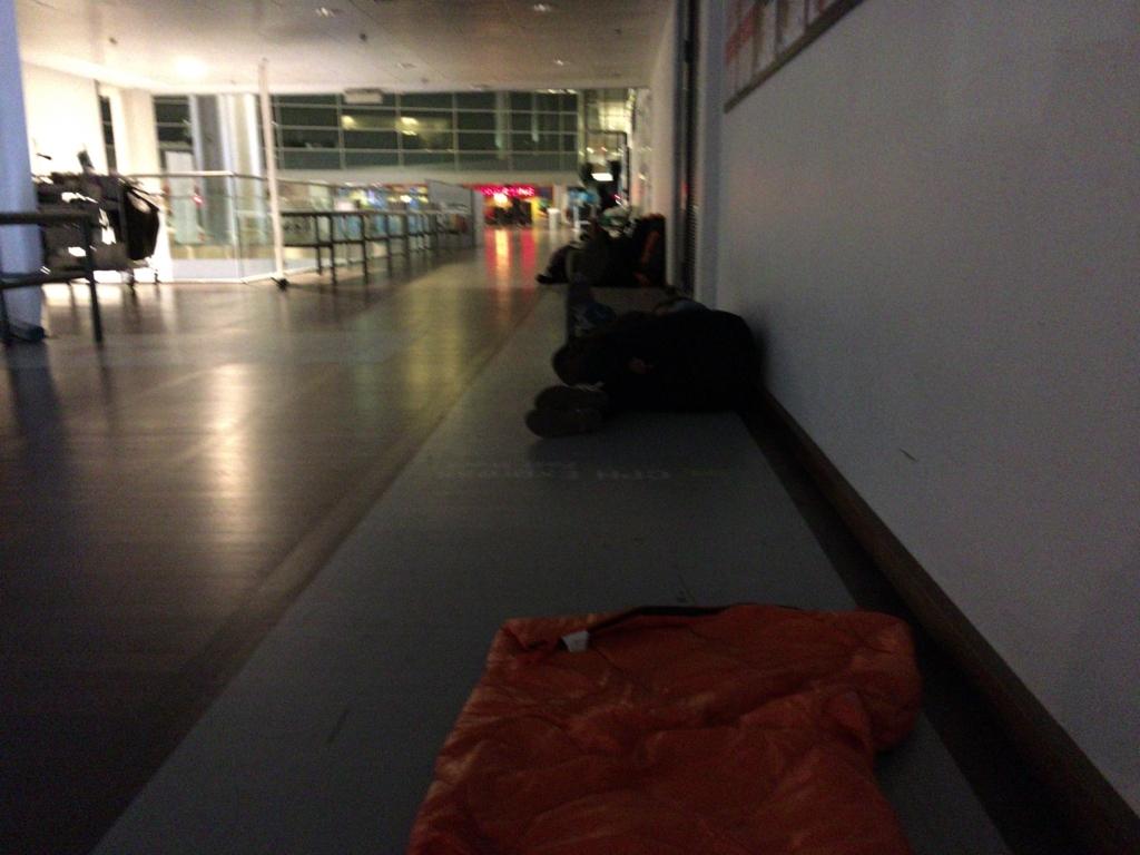 コペンハーゲン 空港泊