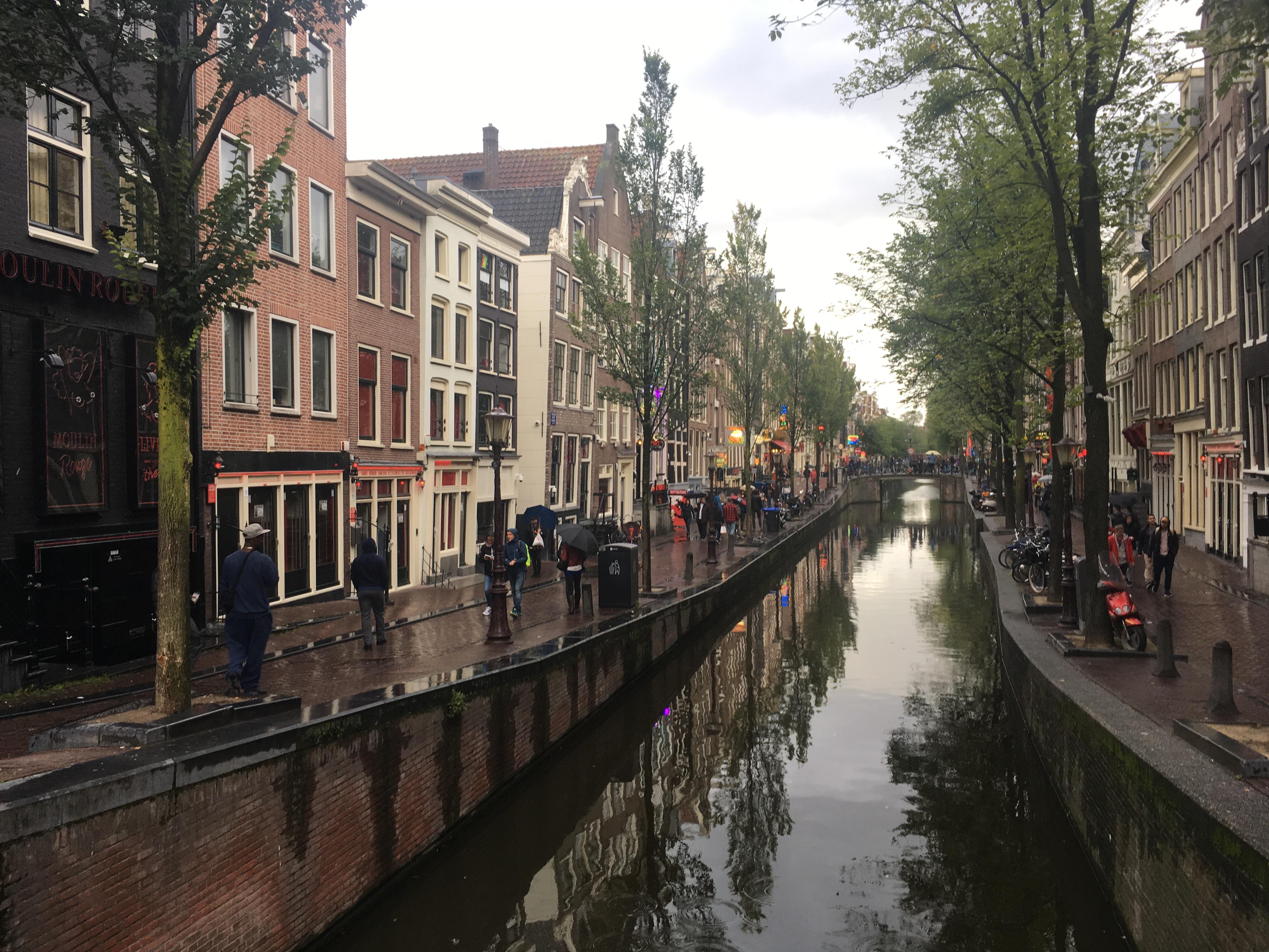 アムステルダムガラス窓