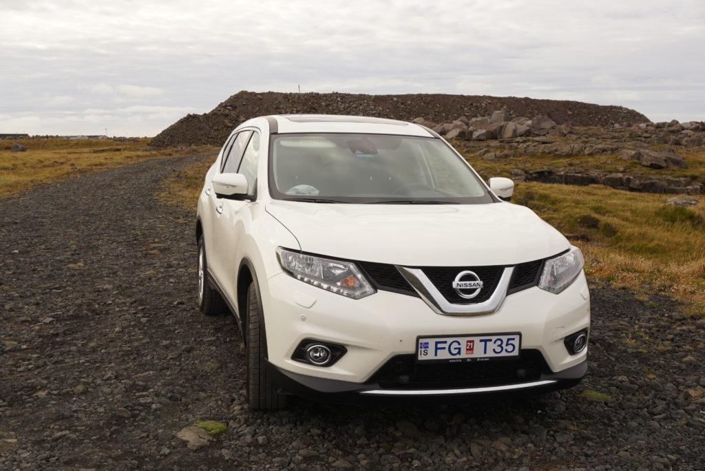 アイスランドレンタカー車