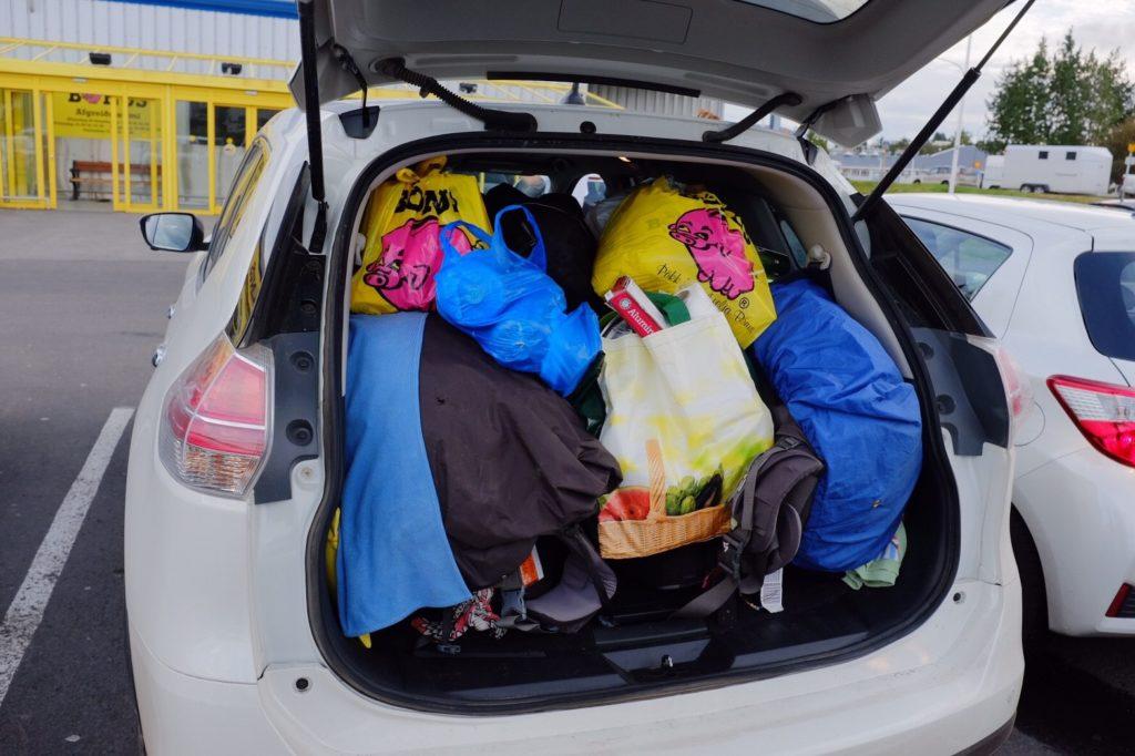 アイスランドレンタカー荷物