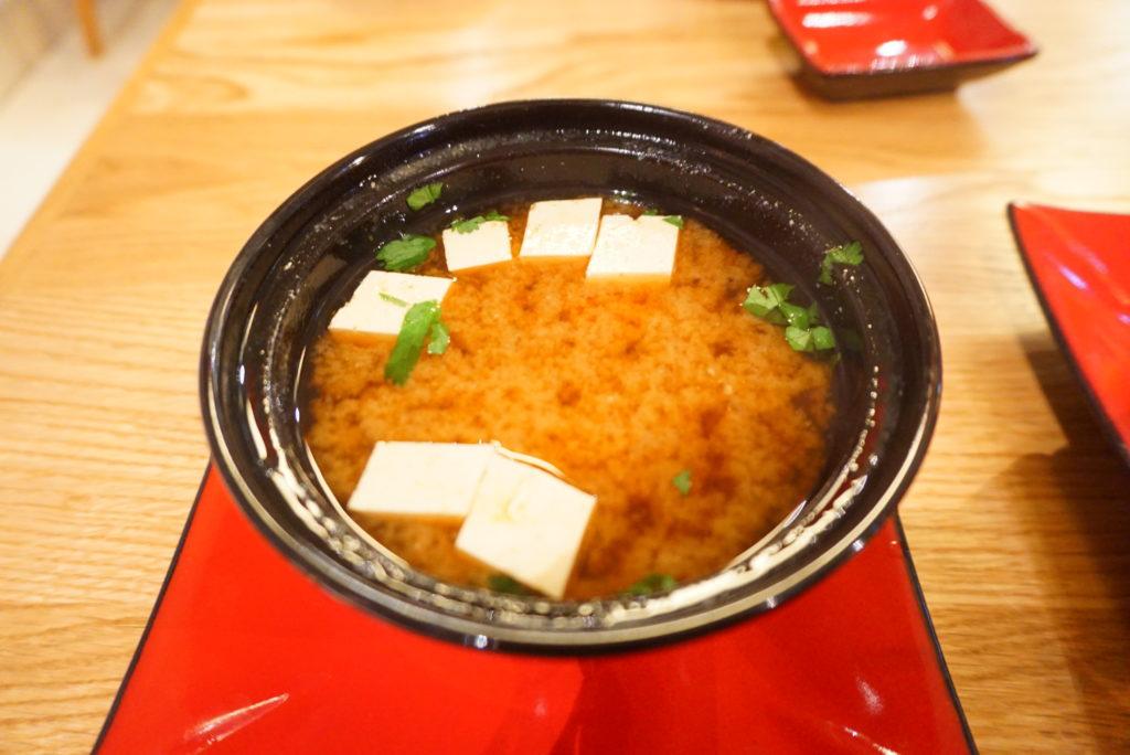リヴネ 日本食 寿司