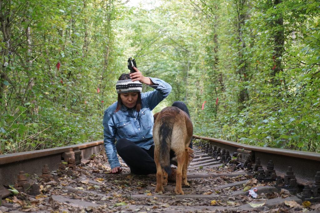ウクライナ愛のトンネル犬