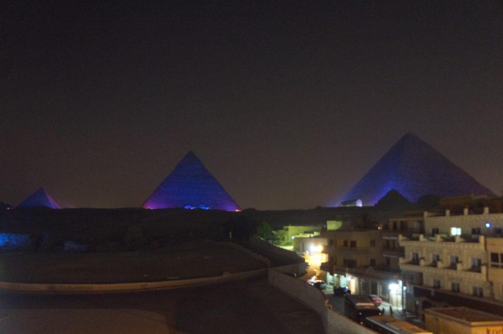 ピラミッド 音と光のショー