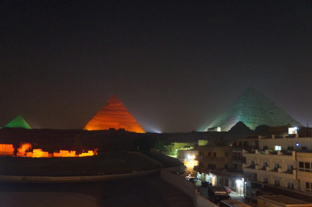 ピラミッド ライトアップ