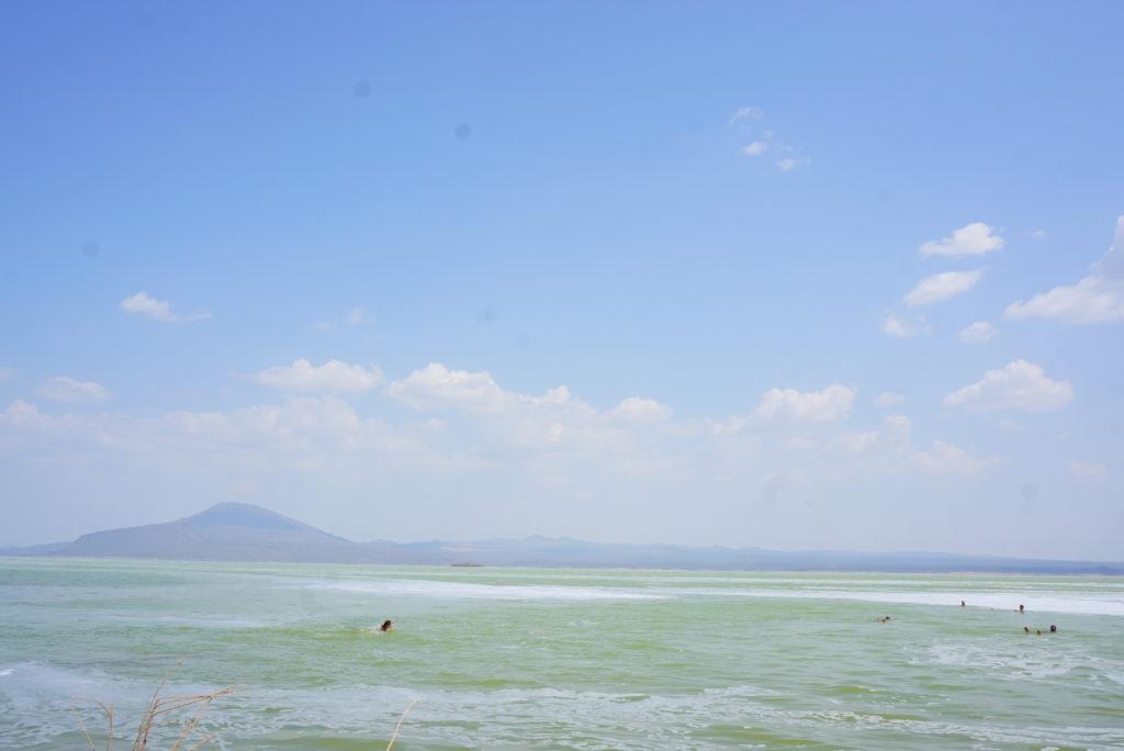 ダナキル 塩湖