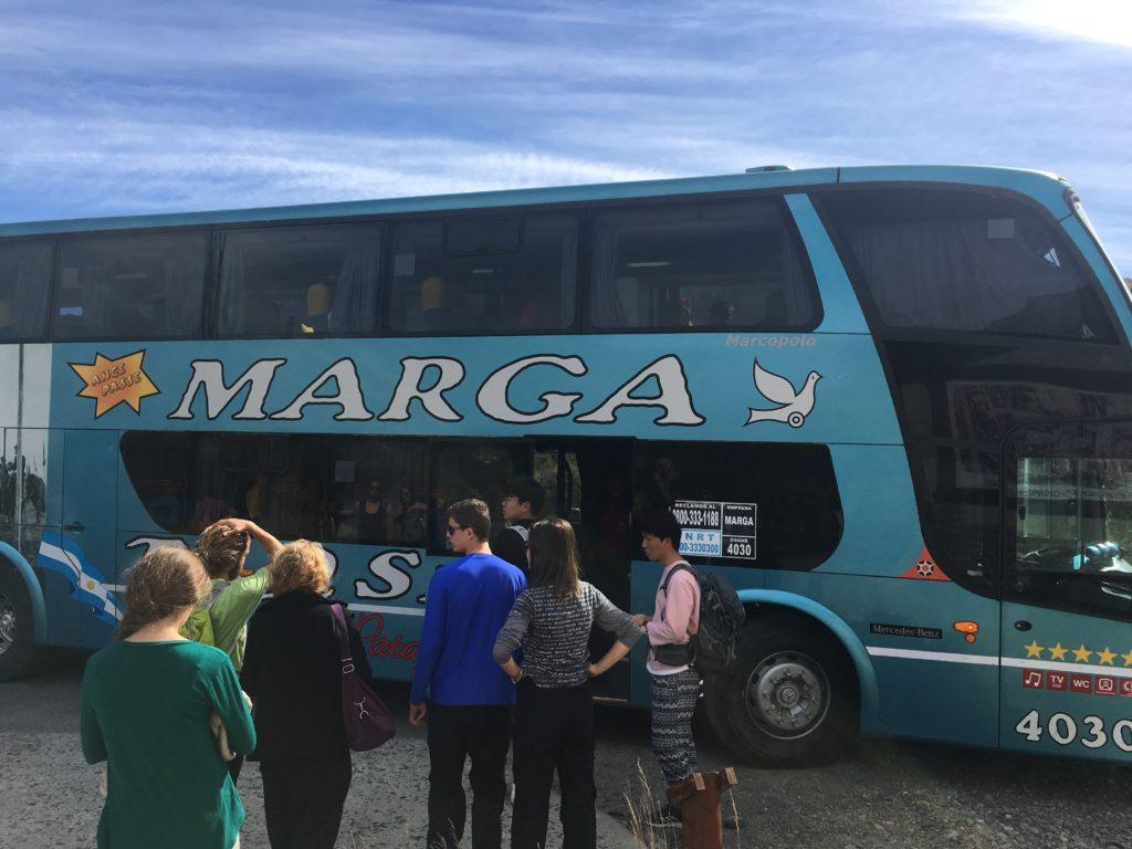エルカラファテからエルチャルテンへのバス