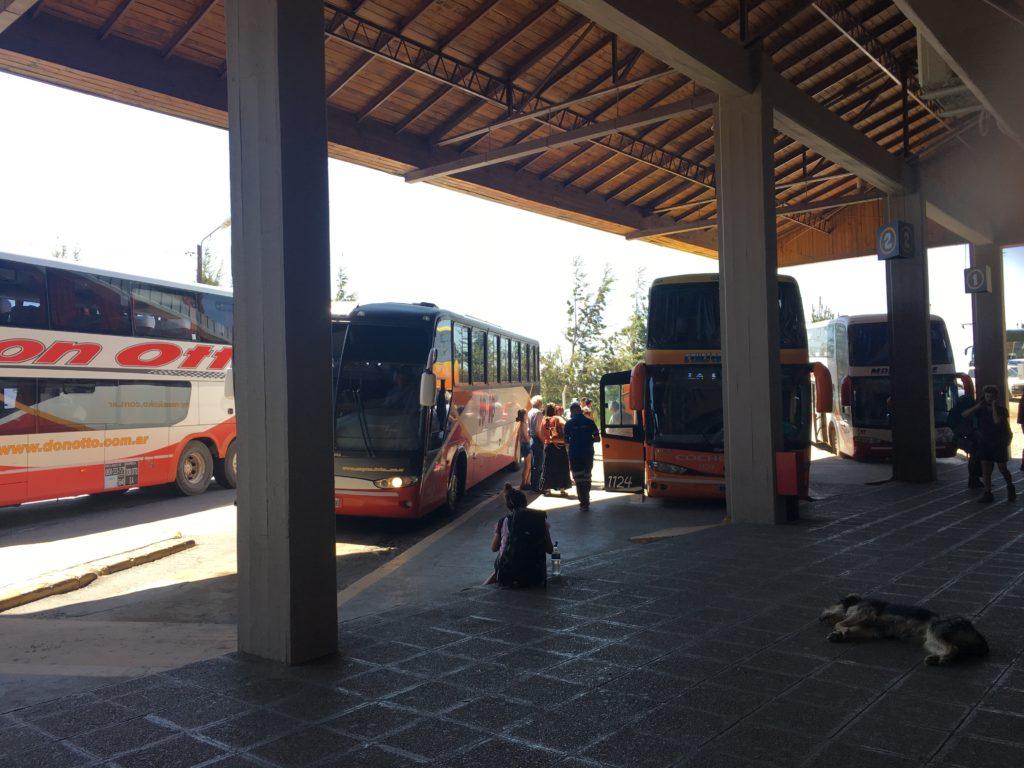 バリローチェバスターミナル