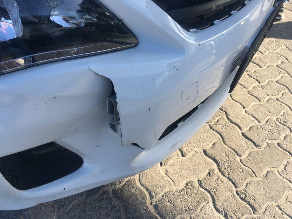 ナミビア レンタカー 事故